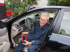 Auto repair fast diagnosis of problems and check engine lights